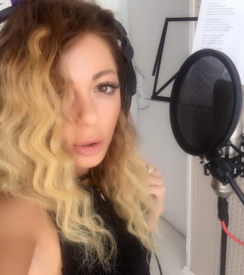 Alexa-studio-snimka