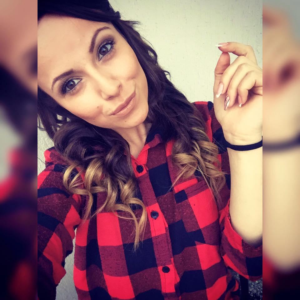 Nikol-brunetka